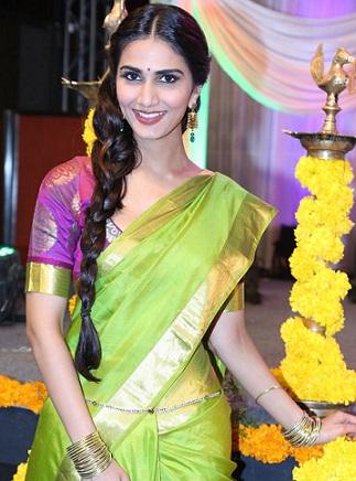 saree pics hairstyles