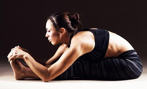 Dhyana Yoga Asanas and Benefits-paschimottanasana