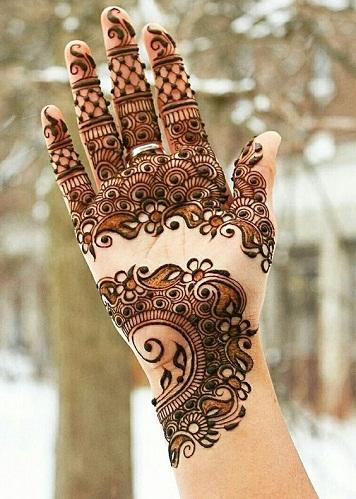 Glamorous Khaleeji Mehndi Design