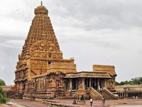 Brihadeeswarar Temple In Thanjavur