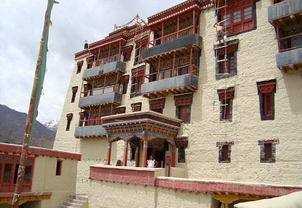 stok-palace-and-museum_ladakh-tourist-places