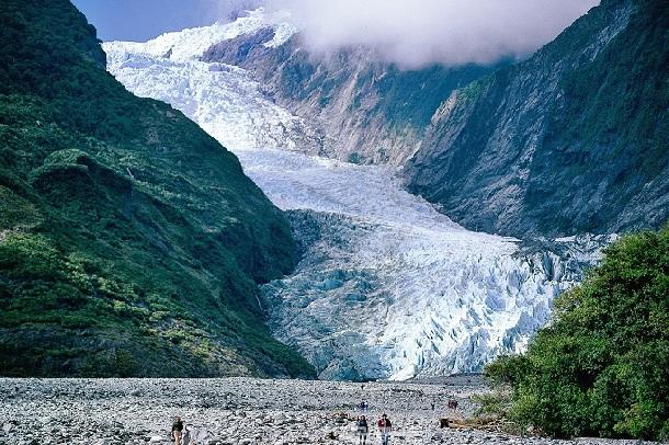 franz-josef-glacier_new-zealand-tourist-places