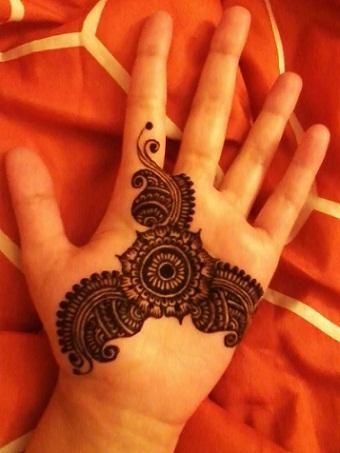 Quick Mehendi Designs-Varied Swirls And Twirls Patterns
