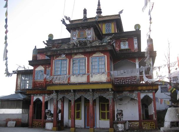 aloobari-gompa-monastery_darjeeling-tourist-places