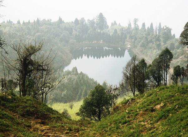 famous-senchal-lake_darjeeling-tourist-places