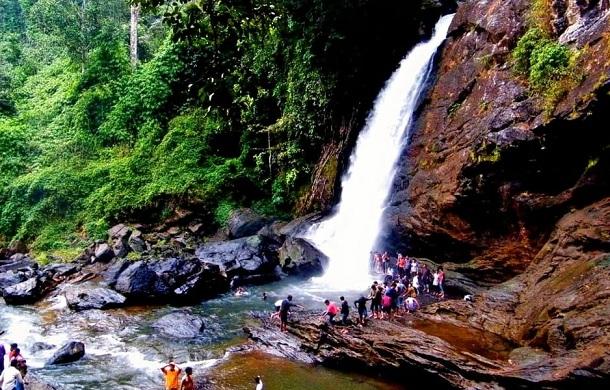 waterfalls in india4