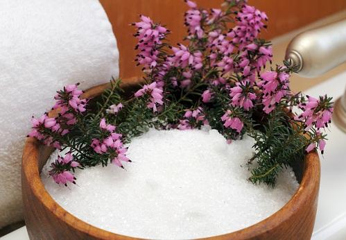 Home Remedies For Neck Pain - Epsom Salt