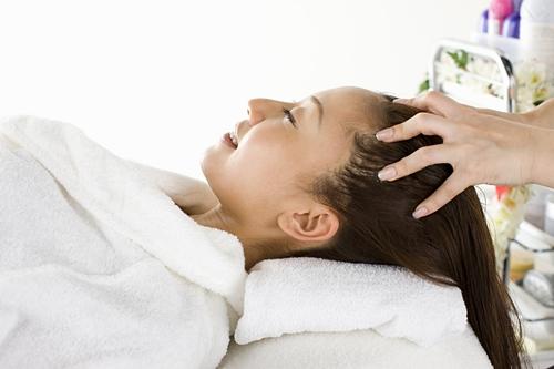 Tips for Healthy Hair - Oil Your Scalp On A Semi Regular Basis