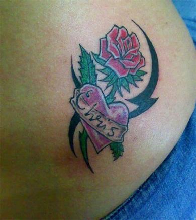 True Love indicate Tribal Rose Tattoo