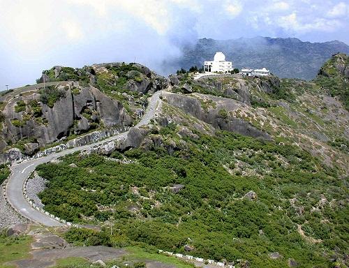 Honeymoon Destinations In India in August