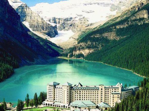 Honeymoon places in Canada Lake Louise, Alberta