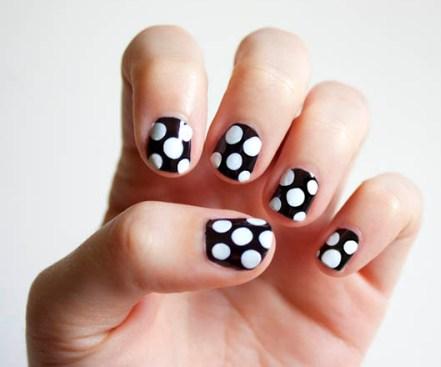 polka dot nail6