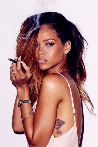 Rihanna Tattoos7