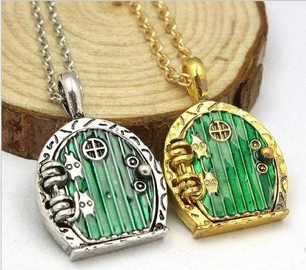 couple-lockets-hobbit-door-couple-necklace