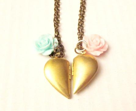 couple-lockets-two-pieced-heart-locket