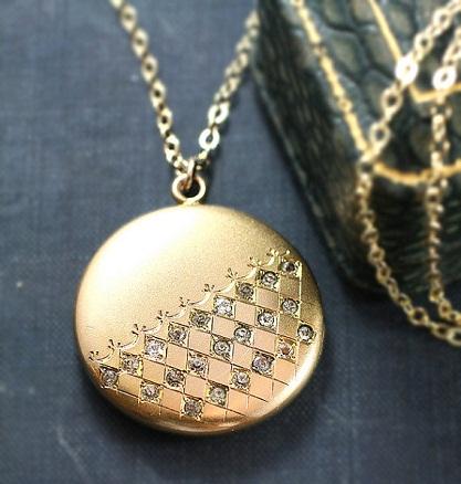 diamond-lockets-gold-diamond-locket