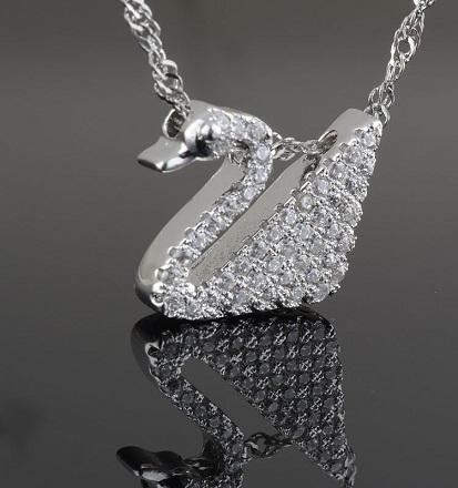 diamond-lockets-diamond-swan-locket