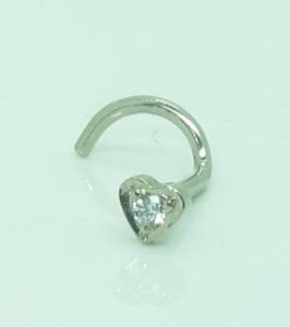 18ct-white-gold-diamond-heart-nose-pin-10