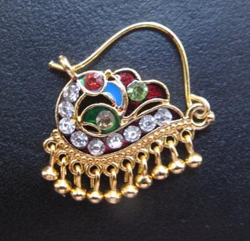 beautiful-rajasthan-style-peacock-nose-pin-design14