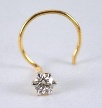 solitaire-diamond-nose-pin-with-diamond-studded-design7