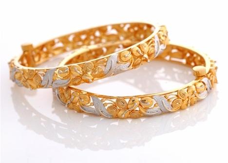 Floral Design Gold Plated Bangle