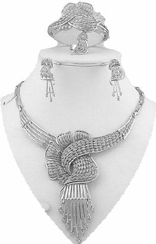 dazzling-silver-necklace-set1