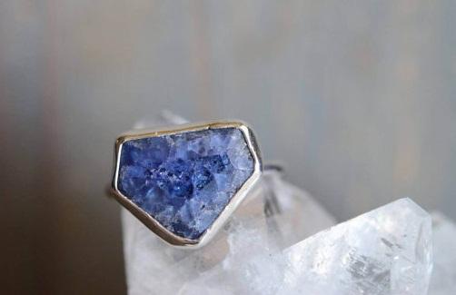 Raw tanzanite stone ring