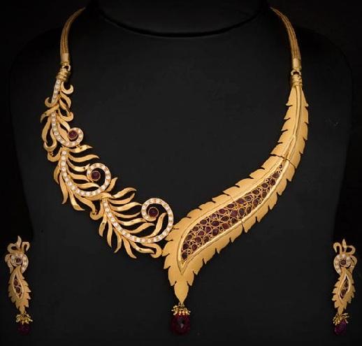 designer-ruby-and-gold-leaf-necklace