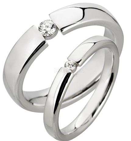 Designed Platinum Ring -Single Center Diamond Stone
