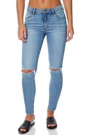 Ripped Women's Wrangler Jean