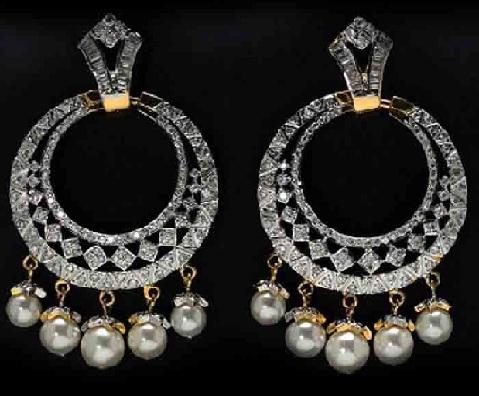 dazzling-platinum-jhumka-with-pearl