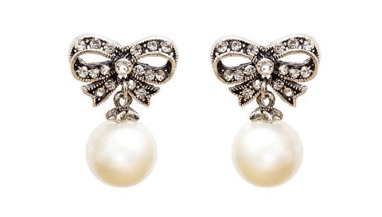 cute-bow-shape-pearl-earrings