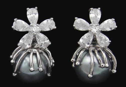 flower-shaped-green-pearl-earrings