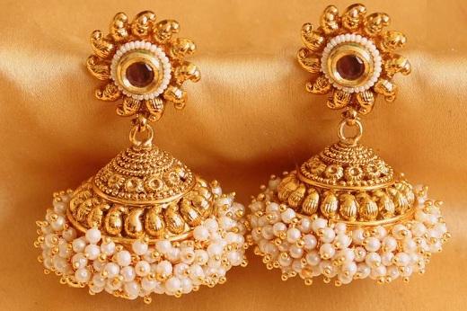 traditional-jhumka-pearl-earrings