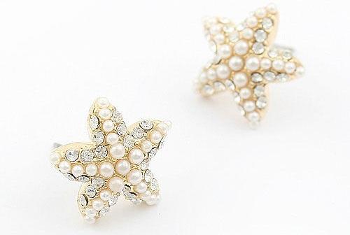 starfish-shaped-pearl-earrings