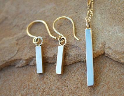 Small gold bar earrings