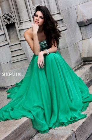 Kendall & Kylie Jenner Model Sherri Hill Spring 2020 Prom Dresses
