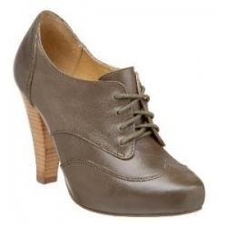 4 Chic Slimming Shoe Designs