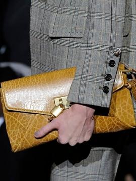 Fall 2020 Envelope Bags Fashion Trend