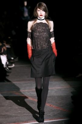 Fall/Winter 2020 Gothic Fashion Trend