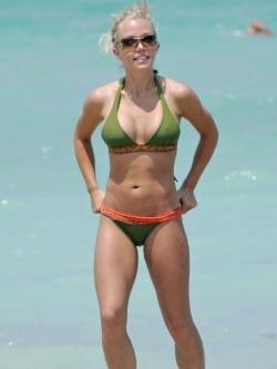 Best Celebrity Beach Bodies