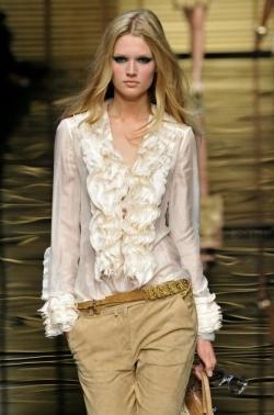 Summer Must-Have: Trendy Silk Top