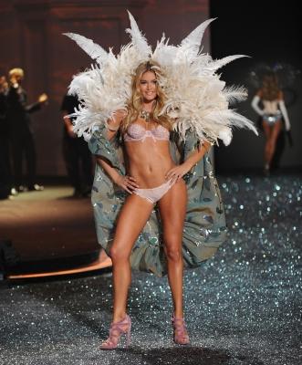 2020 Victoria's Secret Fashion Show