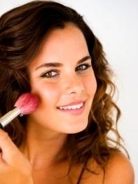 Expert Tips for Glamorous Makeup