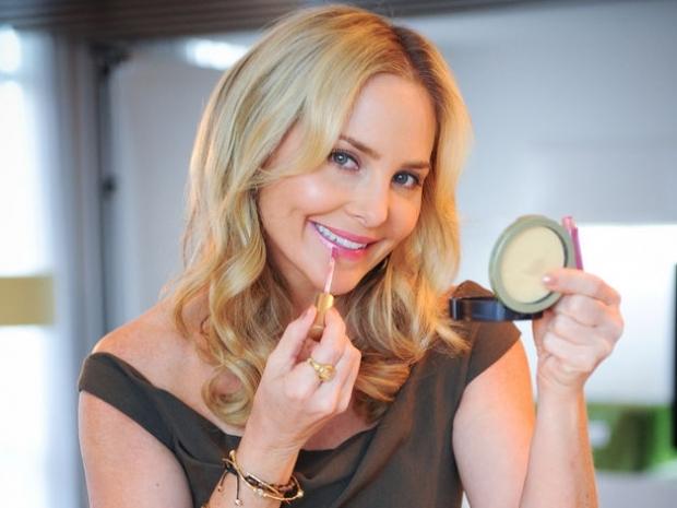 Pro Makeup Tips from Carmindy