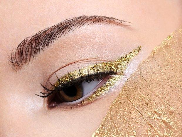 How to Wear Glitter Eyeliner