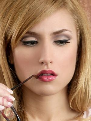 60s Retro Glam: Mad Men Makeup