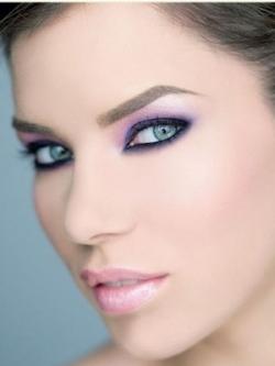 Hot Trend – Purple Makeup