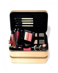 How to Put Together a Makeup Kit