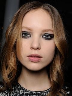 Fall 2020 Wild Eyeliner Makeup Trend